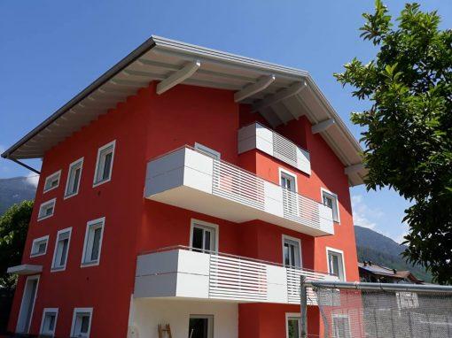 Trentino | Parapetti per balconi in alluminio e HPL