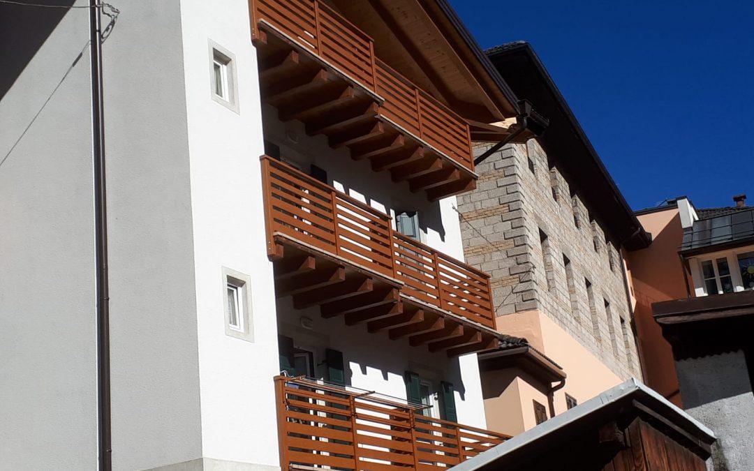 Trentino | Balconi in alluminio effetto legno